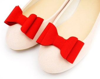 Red bows - shoe clips Manuu