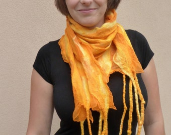 Lightweight silk scarf, shawl by Kerso.de Hat design