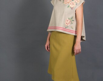 Top made of linen with hand painted roses