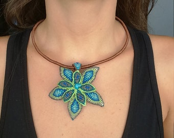 Double flower pendant