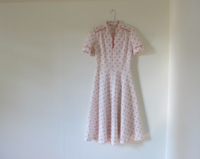 Vintage summer dress, polyester ladies dress, red and white, EU size 36 / US size 4 - Spike and Suzy style innocent girls dress