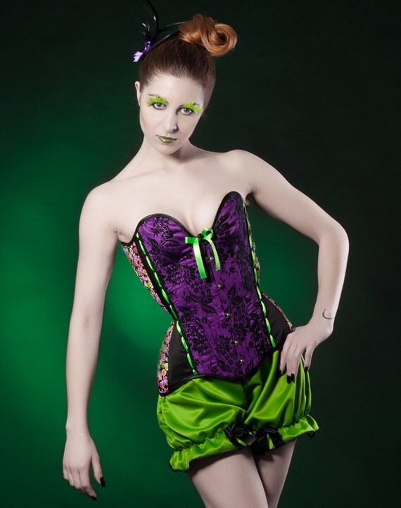 Purple black overbust corset Style Nocturnal Violets Sample sale Gothic corsetry Sateen lace and satin tightlacing corset Colorful fabric