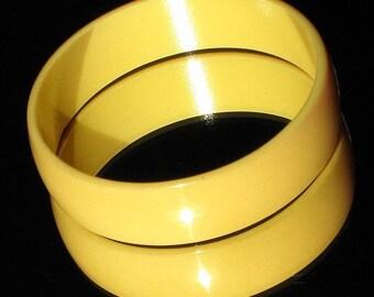 Bold Bakelite Vintage Bangle Mid Century Egg Yolk Corn Creamed Statement Hollywood Mod Butter Yellow Catalin Costume Bracelet Golden Tested