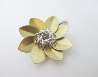Gold Scale Maille Flower Hair Clip