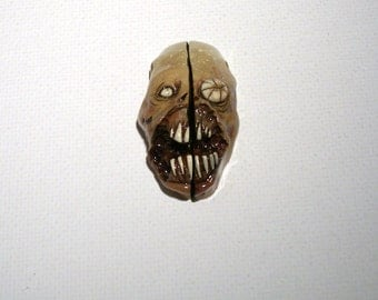 Sand Dweller ZFF Zombie Freinds Forever Zombie Head Pendant