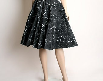 Vintage 1950s Full Circle Skirt - Black Velvet Taffeta Floral Swirl Skirt - Small