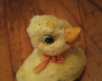 Vintage 1950's Mechanical Duck with Butterfly, Wind Up Duckling, Easter Basket Decor, Felt Deck, Duck chasing a butterfly, Farm Duck