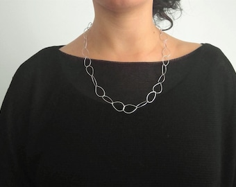 Light Hammered Chain |  Sterling silver link chain | Available with a polished or oxidized finish | Dainty Jewelery |  Everyday Wear |