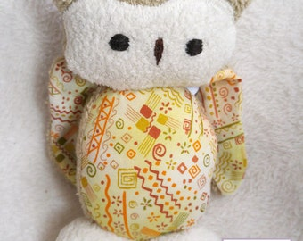 """Owl 7"""" Stuffed Animal, All Natural Materials,Green Leaves"""