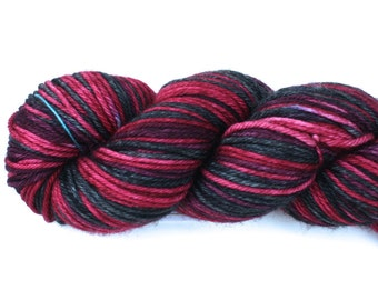 VooDoo Lily--hand dyed worsted weight, merino superwash (218yds/100gm)