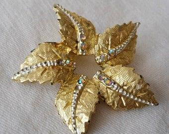 VINTAGE Rhinestone & Gold Metal Leaf Flower Costume Jewelry Brooch
