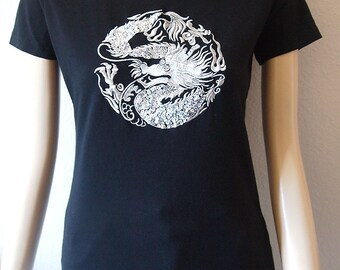DOUBLE LUCK // Vintage 90s Chinese Dragon Shirt Y2K Womens Medium Silver Top Glitter Baby Tee 1990s Clothing Grunge Rave Pastel Goth Asian