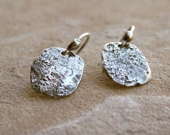 Primitive Recycled Sterling Silver Hammered Textured Oval Disc Earrings . Rustic Style Jewley