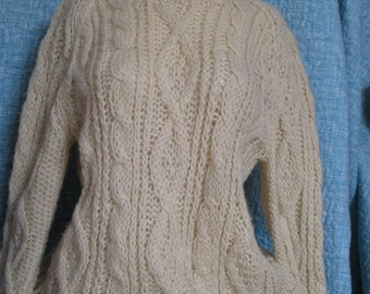 Vintage Hand Knit Sweater Ecru Raglan Irish Knit Pullover Size Medium M to Large L