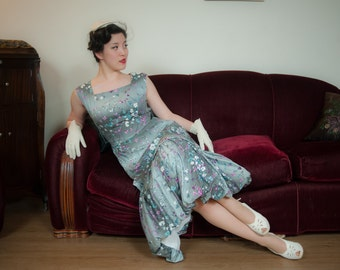Vintage 1950s Dress - Dramatic Ombre Floral Print Cotton 50s Summer Dress in Grey with Lavender and Turquoise