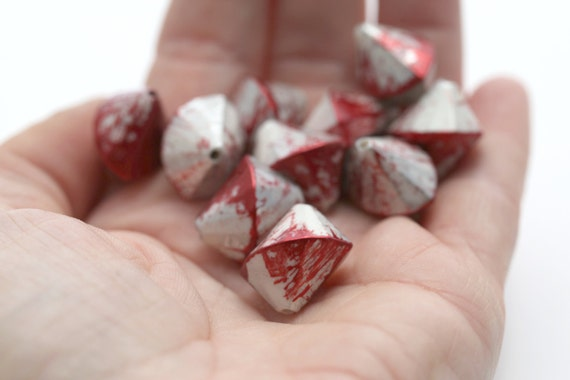White Red Silver Faceted Splayed Acrylic Bicone Beads 17mm (12)