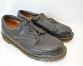 Vintage DR. MARTENS Mens uk sz. 10 Made in ENGLAND shoes docs black 5 eye