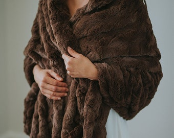Wedding Shawl | Faux Fur Wrap | Bridal Fur Stole | Winter Wedding | Bridesmaid Faux Fur Wrap [Yorkshire Fur Shawl]