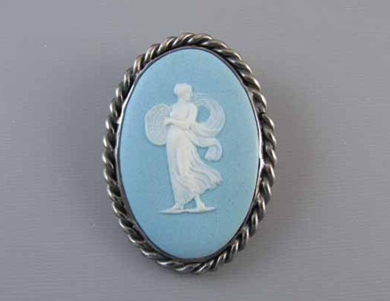 Antique Edwardian 1911 sterling silver blue jasperware Wedgwood full body cameo brooch pin pendant super heavy 21 gram CAST mounting