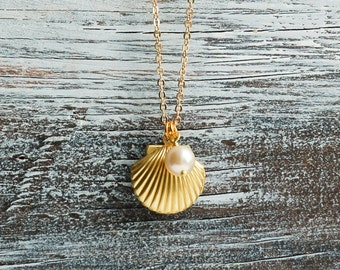Gold Shell LOCKET Necklace Seashell Necklace Ocean Nautical Pendant Bridesmaid Gift Pearl Summer Wedding Beach Mermaid