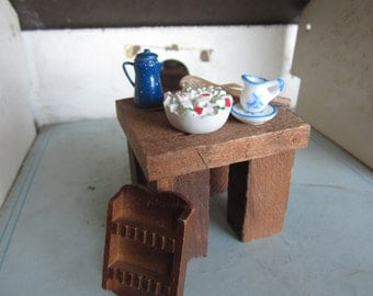 Dollhouse Kitchen  Decor. Spoon Holder, Coffeepot, Dishes and Tools. #91