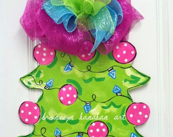 Pink Christmas Tree Door Hanger - Bronwyn Hanahan Art