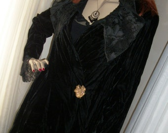 Vintage 1920s 1930s Style Victorian Black Velvet Open Long Jacket Mint Cond Brooch Incl Size M Film Noir Glamour Goth