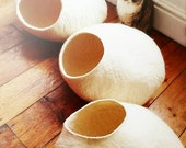 Cat Cave / cat bed - handmade felt - White - S,M,L,XL + free felted balls