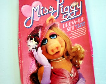 Vintage 1980 Miss Piggy  Color Forms
