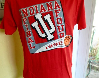 1992 Indiana Hoosiers vintage Basketball - red t-shirt size medium