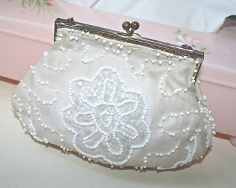 Vintage White Beaded Clutch, Beaded Clutch, Wedding Purse, Vintage Purse, Beaded Purse, White Purse, Vintage Clutch, Evening Bag, Clutch