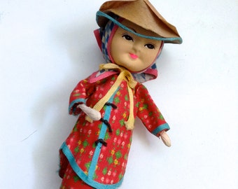 Cloth covered Asian Doll.   Vintage 1950.  Japanese Chinese?