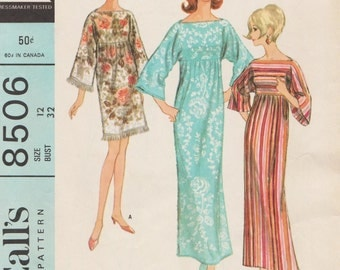 McCalls 8506 / Vintage 60s Sewing Pattern / Caftan Robe Dress Gown / Size 12 Bust 32