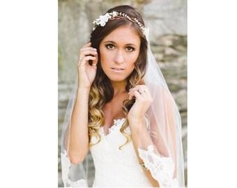 wedding white flower headband, Bridal Flower hair, wedding accessories, wedding headpiece, head wreath, hair accessories, flower girl