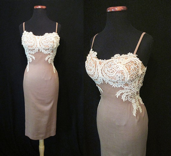 "Stunning ""Peggy Hunt"" Designer 1950's Cocktail Party Dress w/ White Lace Applique & Shelf Bust Construction Rockabilly VLV Pinup Size-Medium"
