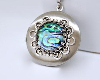 Antique Silver Locket Necklace, Paua Shell Locket, Blue Shell Necklace, Filigree Locket Necklace, Silver Shell Necklace, Beach Theme Gift