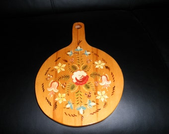 Vintage Wooden Tray / Trivet / Cutting Board.  Hand Painted Folk Art, Floral, Rosemaled