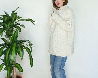 80s Handknit Cream Wool Oversize Sweater // sz S/M