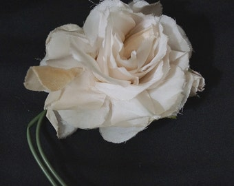 Vintage Flower Corsage / Cream White Millinery Flower / Vintage Fabric Floral Rose / Hat Trim Dress Corsage Pin