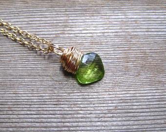 Gold Peridot Necklace, Dainty Layering Necklace, August Birthstone Jewelry, Apple Green, Natural Stone, Peridot Pendant