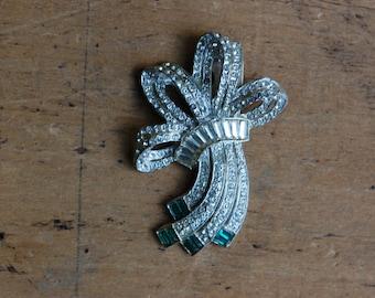 Vintage Art Deco pavé ribbon rhinestone dress clip