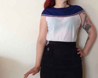 Vintage 60s two-tone top with the best neckline