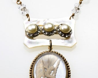 Vintage Reverse Carved Intaglio Fairy Angel MOP Necklace