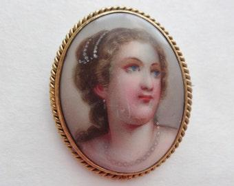 Limoges Portrait Brooch Queen Louisa of Prussia