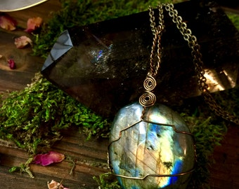 Cosmic Light- Labradorite Necklace