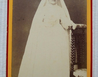 French Antique CDV Photo - Young Girl in Confirmation Gown & Long Veil (Launay, Mortagne, France)
