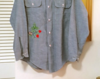 Vintage 60s Mens Chambray Blue Embroidered Floral Button Hippie Shirt M Selvedge