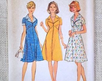 Simplicity 6275 vintage sewing pattern 1960s coat dress Mod Groovy Bust 34 Seam interest flared Collar zip up zipper Secretary Uniform