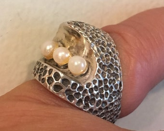 MODERNIST STERLING SILVER Three Pearls Large 9.4 grams Ring Size 6.75