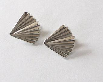 Giovanni Silver Tone Fan Earrings Clip-On Vintage Giovanni Earrings